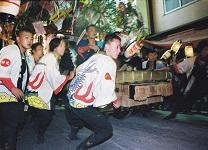 岡山の祭りじゃ!だんじり喧嘩ツアー